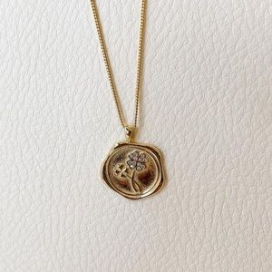 Four Leaf Clover Gold Pendant Necklace